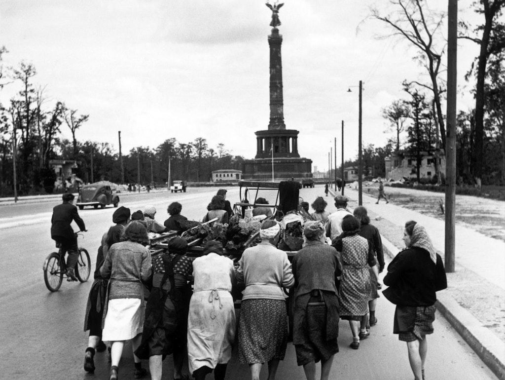 """Fernsehdokumentation """"Berlin 1945"""" : """"Traut den Bildern nicht"""""""
