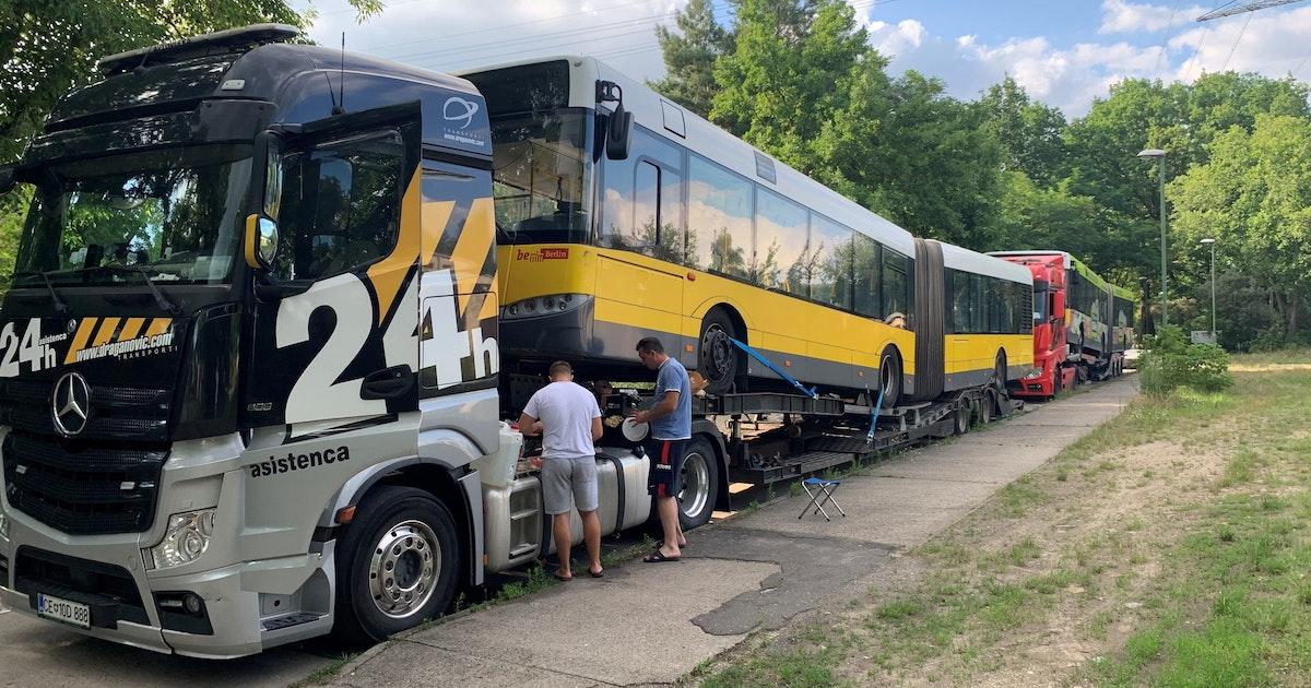 Kein Ruhestand: Alte BVG-Busse fahren in Albanien weiter