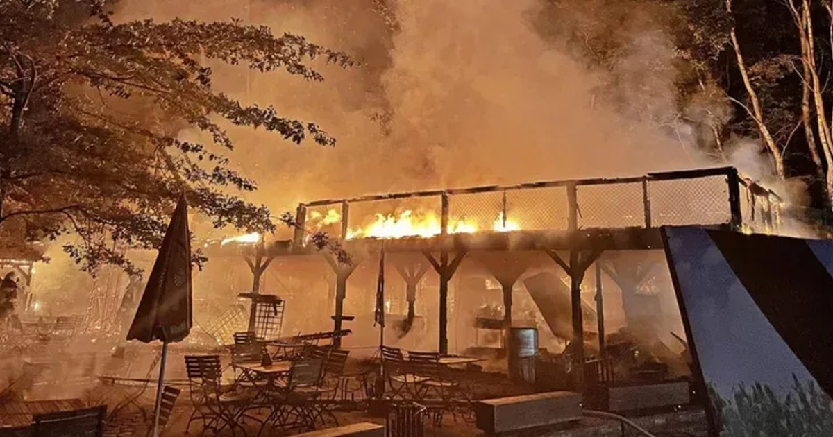 Feuer-Drama auf Karl's Erdbeerhof – 300.000 Euro Schaden!