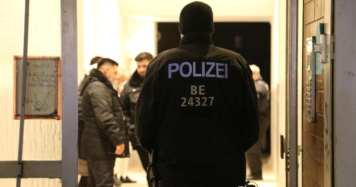 Berliner Polizei beendet Fest: 60 Menschen feiern Hochzeit in Wedding
