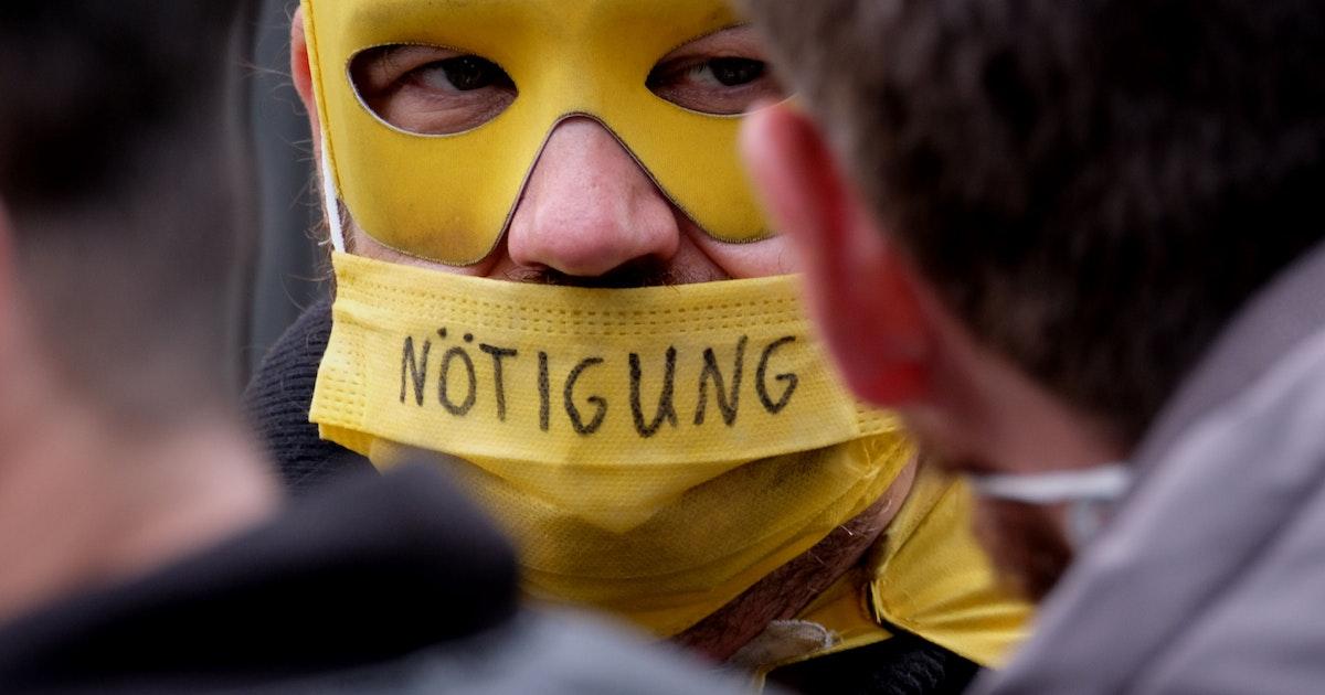 Corona-Demo-in-Berlin-eskaliert-Polizei-nimmt-69-Teilnehmer-fest