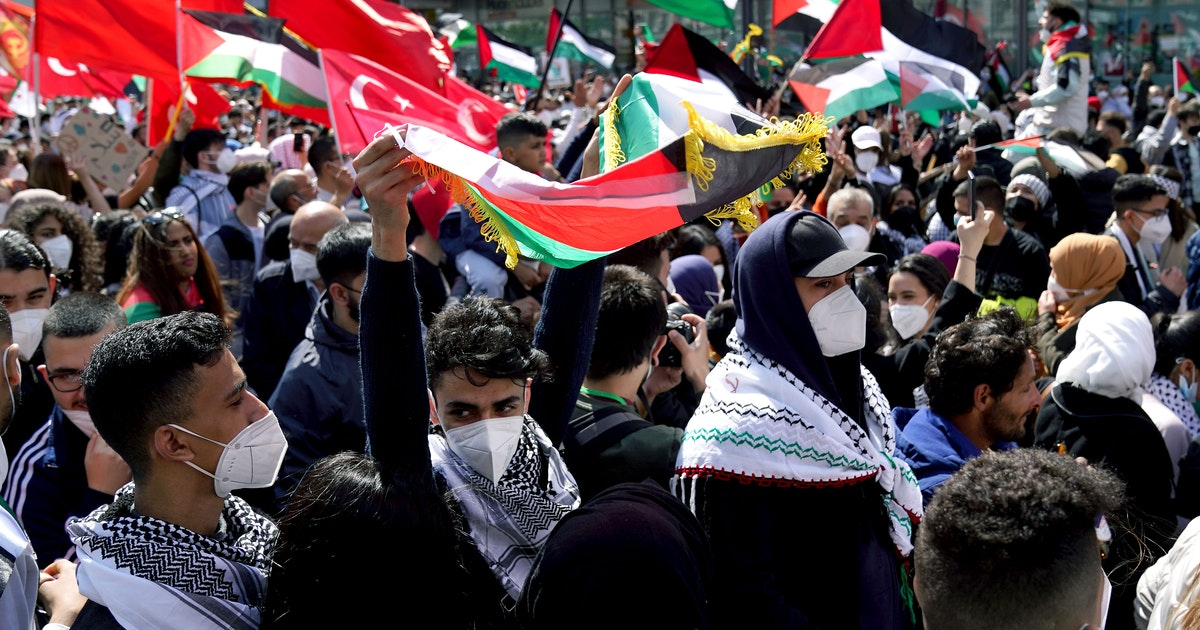 Massive Ausschreitungen bei pro-palästinensischer Demonstration in Berlin