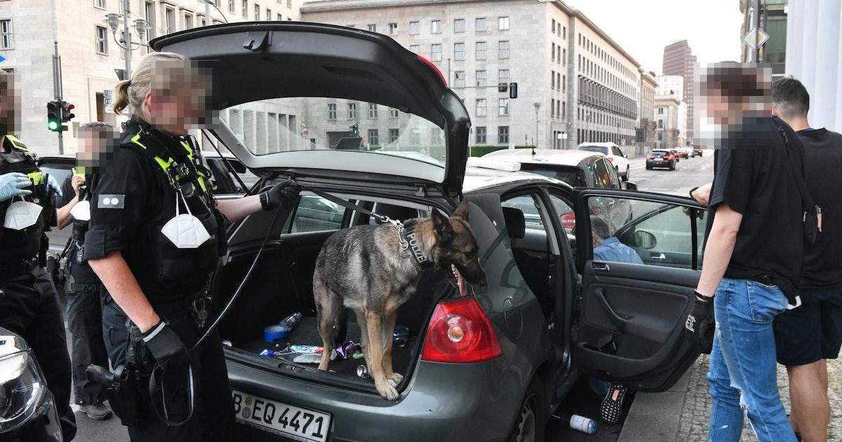 """Mitten in der City: Hier nimmt """"Kommissar Rex"""" ein Koks-Taxi hoch"""