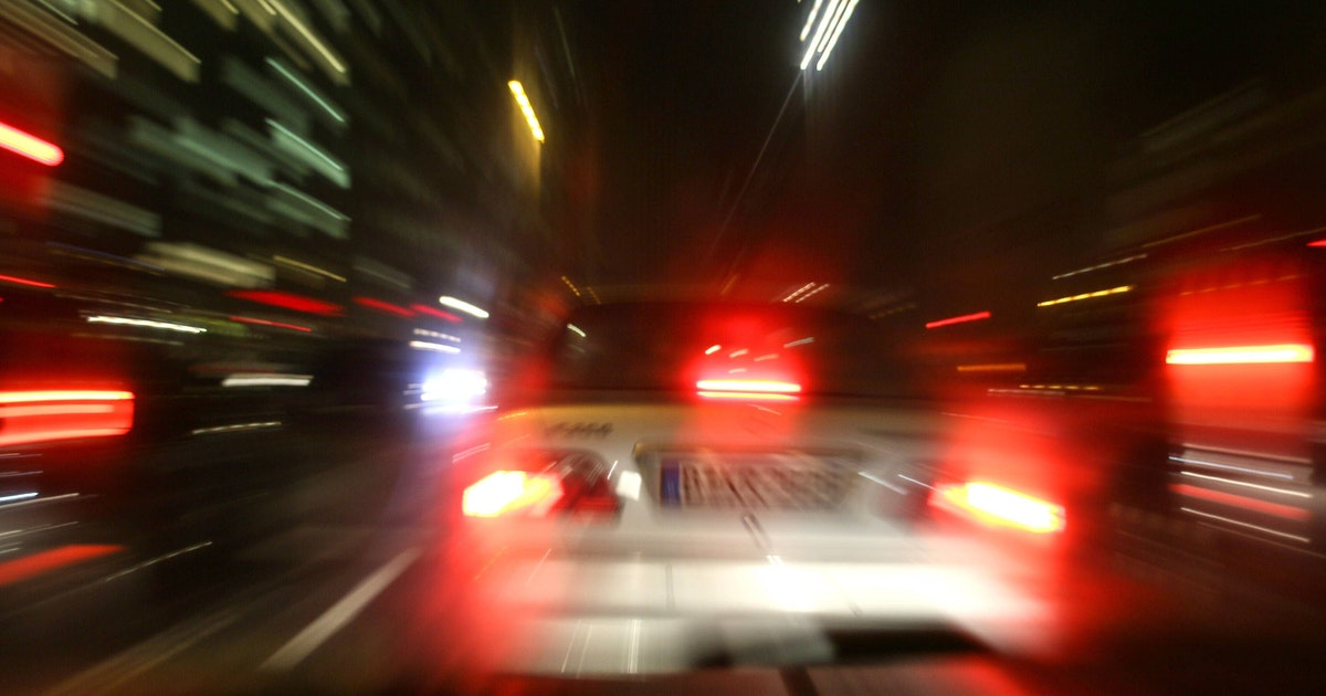 Berlin: Autofahrer halten auf Passanten zu, mindestens ein Verletzter
